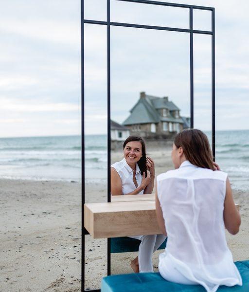 Meuble coiffeuse Mademoiselle avec miroir et rangement / acier et bois massif / L 100 x H 220 x P 37 cm / ARTMETA