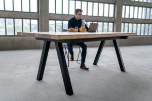 Table bois et metal Pi / 240 x 110 x H 90 cm / 2 Plateaux en chêne authentique massif et pied noir charbon / Fabrication sur mesure ARTMETA