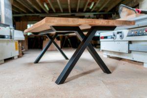 Table à manger Viking / chêne authentique et pied noir charbon / ARTMETA