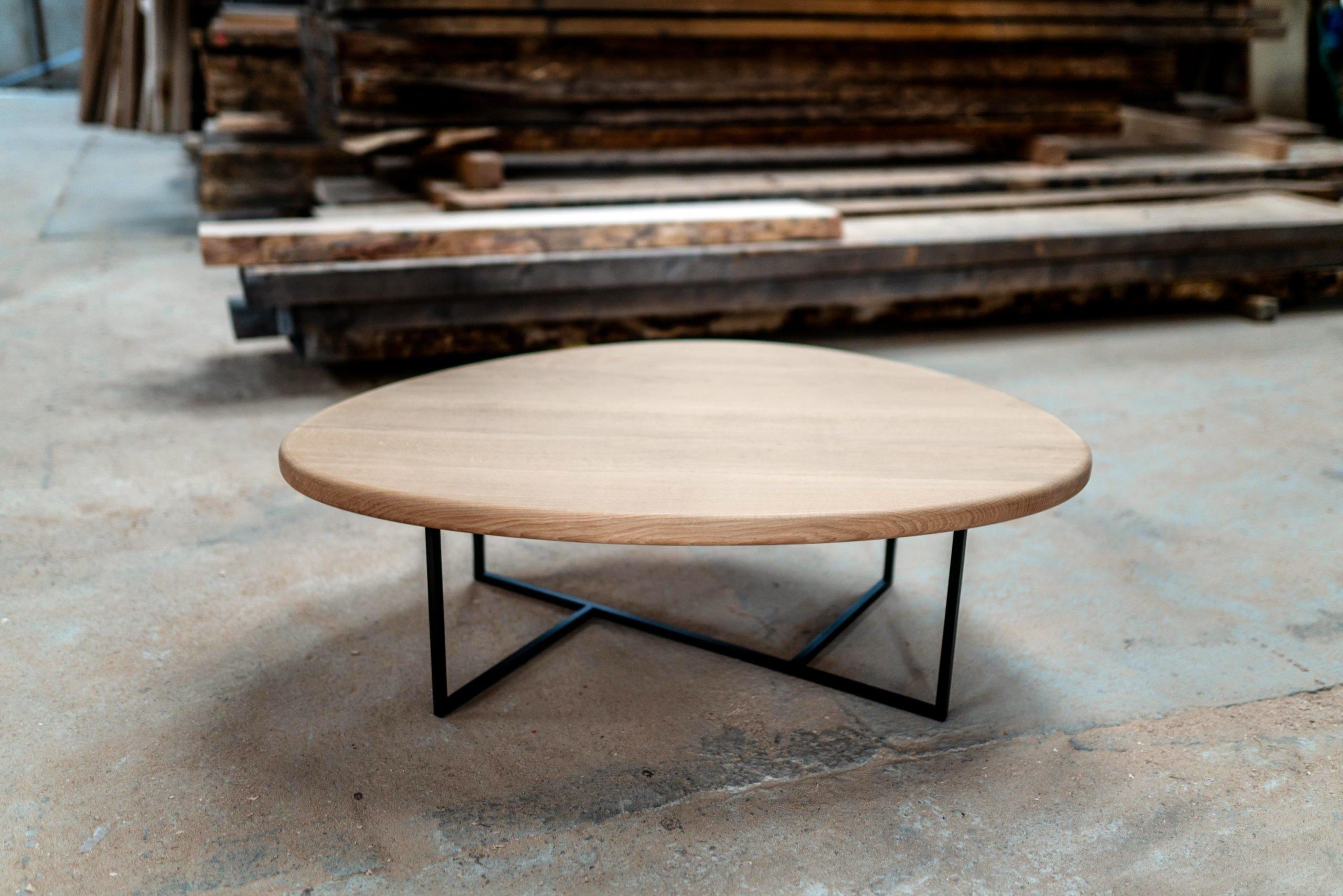 Table basse Galet / 120 x 90 x H 35 cm / Bois massif et acier / Fabrication sur mesure ARTMETA