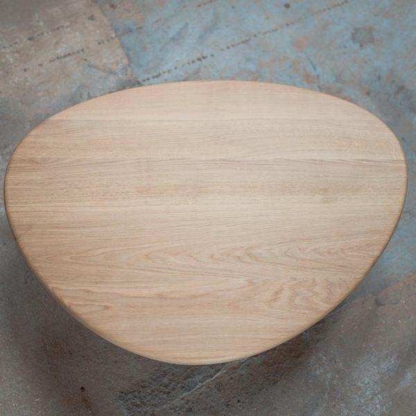 Table basse Galet / Bois massif et acier / Fabrication sur mesure ARTMETA