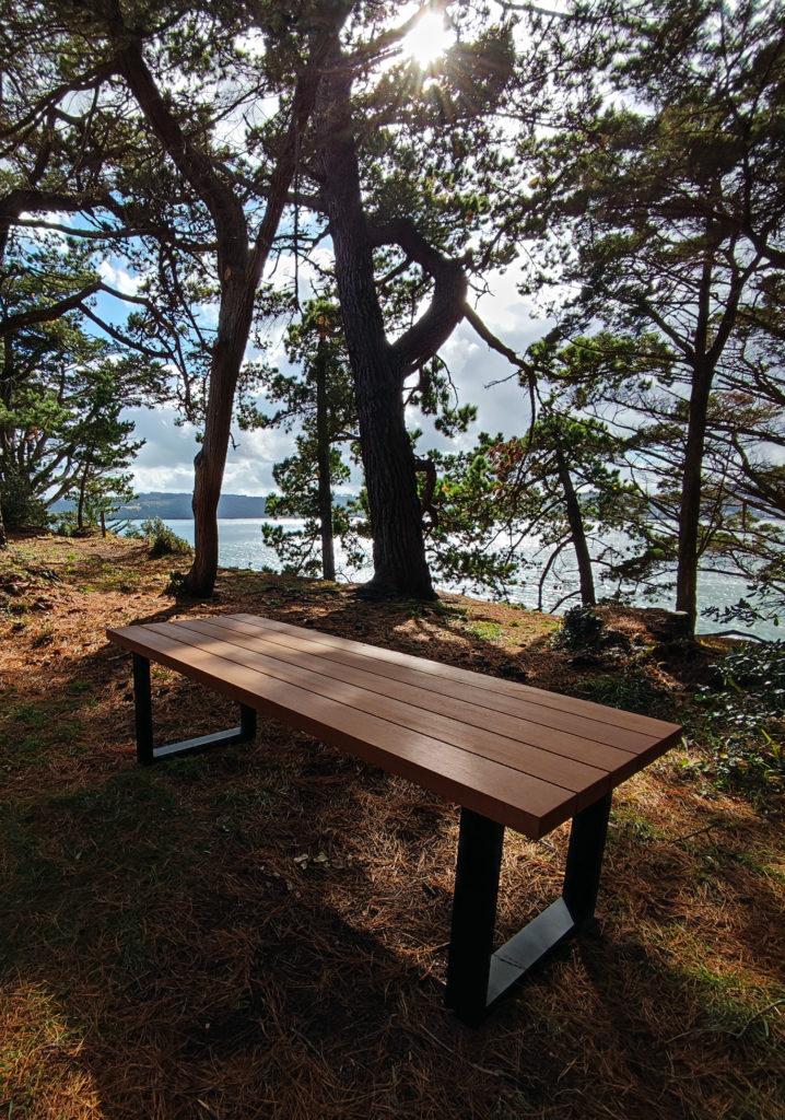 Table extérieure Rivage / 250 x 90 x H 75 cm / Moabi massif et piétement aluminium